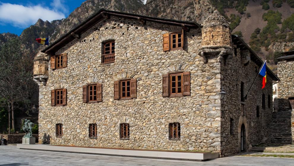 Casa de la vall Andorra presenta candidatura para patrimonio mundial de la UNESCO inician trámites para optar distintivo de UNESCO a los monumentos ligados a la construcción histórica del país